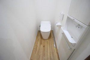 弊社施工例:トイレ