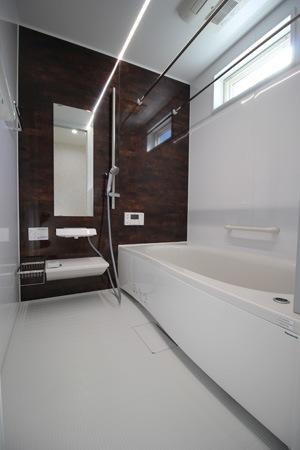 モデル:浴室